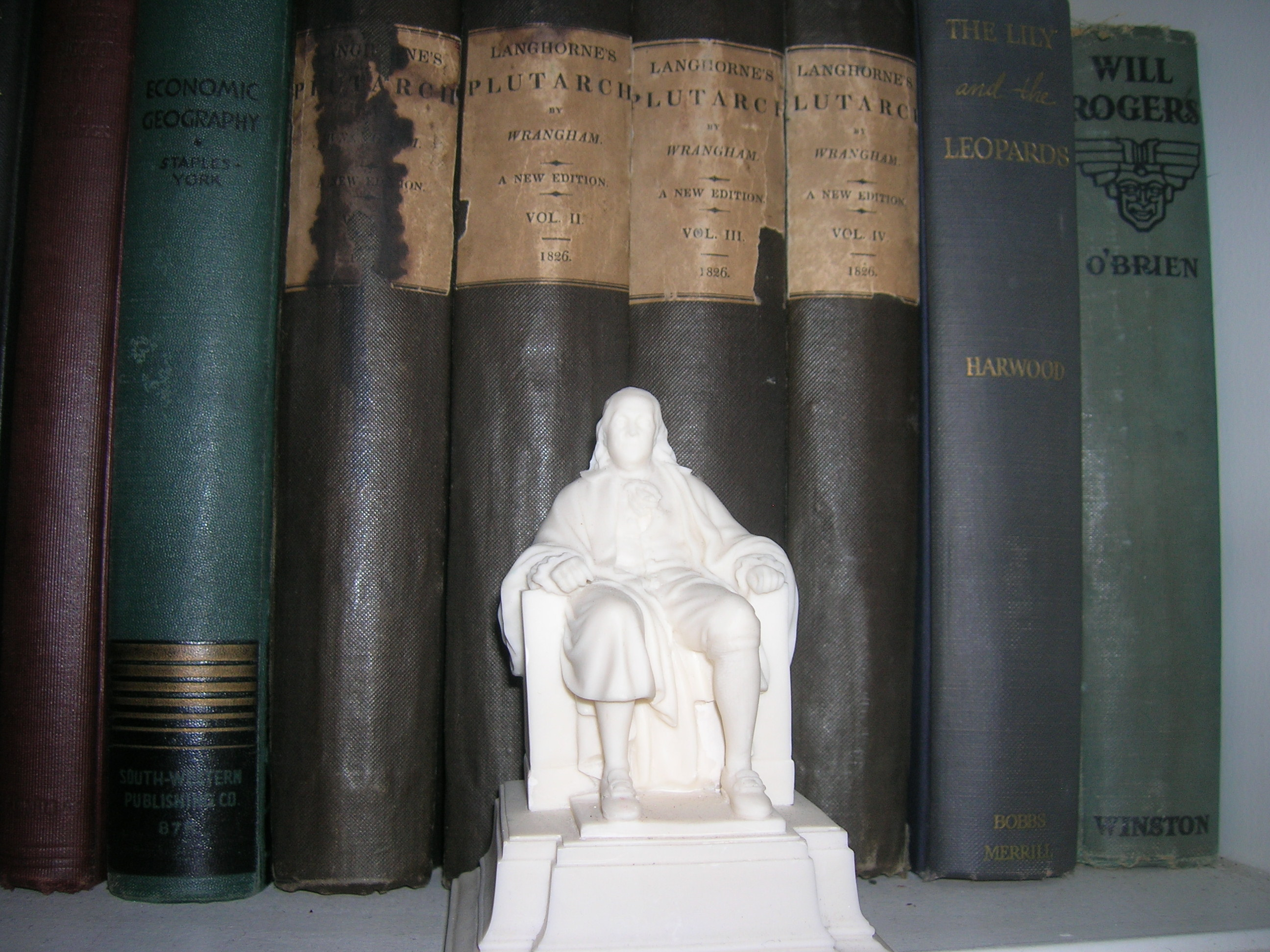 Ben Franklin with Will Rogers book in background, both were Masons